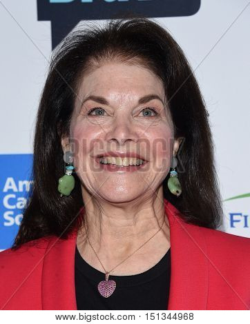 LOS ANGELES - SEP 09:  Sherry Lansing arrives to the Stand Up To Cancer 2016 on September 09, 2016 in Hollywood, CA