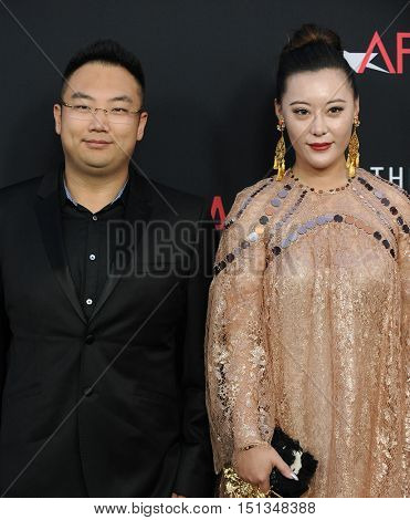 LOS ANGELES - OCT 10:  Kevin Xu and Jiaxian Liu arrives to