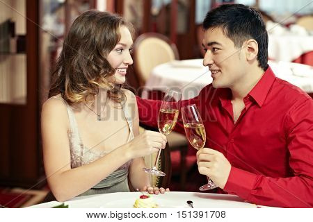 Dating in restaurant