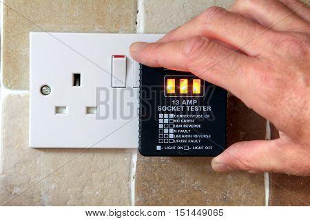Uk 13 Amp Socket Tester Showing Plug Working Correctly