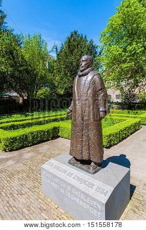 Delft, Netherlands - April 4, 2008: Bronze Modern Statue Of William I, Prince Of Orange