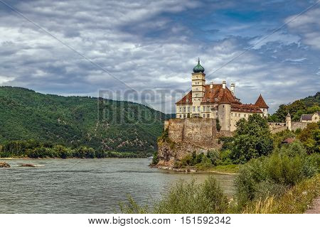 Schloss Schonbuhel is a castle in the Lower Austrian on the right bank of the Danube. The origins of the castle date from the early 12th century.