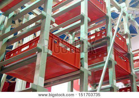 Ð¡onveyor for storage of plastic boxes