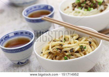 dan dan noodles, chinese sichuan cuisine