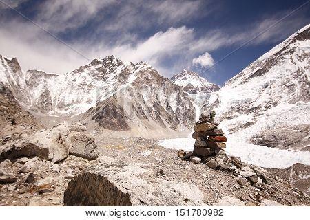 Approaching Everest base camp, khumbu himal Nepal