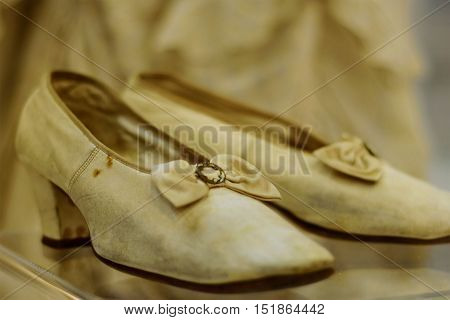 white shoes, ustrevshie, worn, leather, 19th century, fine, beautiful, white bow