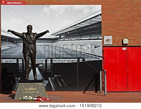 LIVERPOOL UK 17TH SEPTEMBER 2016. Statue of Bill Shankly at Liverpool Football Club's Stadium