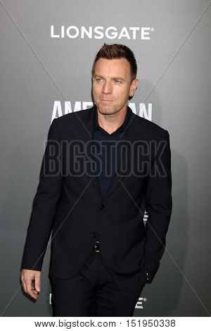 LOS ANGELES - OCT 13:  Ewan McGregor at the