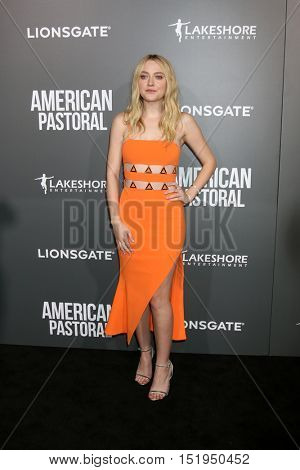 LOS ANGELES - OCT 13:  Dakota Fanning at the
