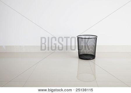 Metal bin