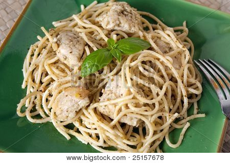 Pasta With Garlic Chicken And Pesto Sauce
