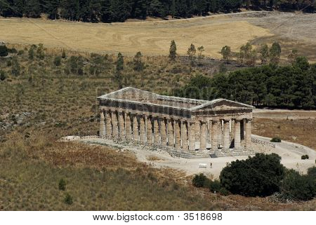 View of the Greek temple in Segesta
