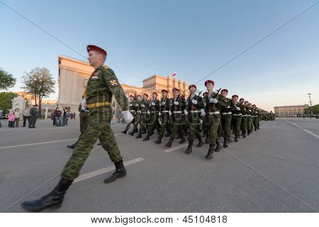 SAMARA - MAY 5: Soldiers with guns marching on parade rehearsal before the Day of Victory in the Great Patriotic War on May 5, 2012 in Samara, Russia.