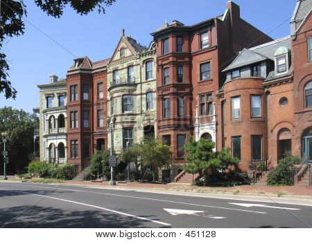 DC victoriano Rowhouses Street 2