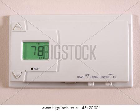 Thermostat 78 F