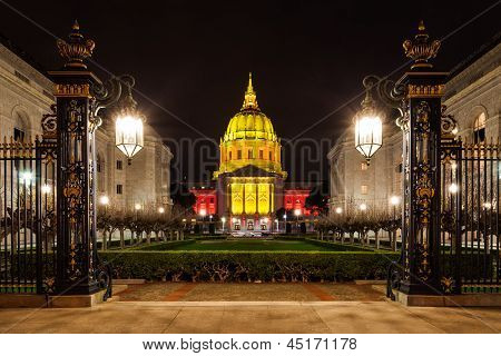 San Franicisco City Hall In At Night