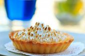 Lemon meringue pie Shallow DOF