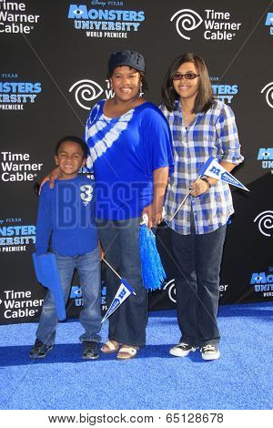 LOS ANGELES - JUN 17:  Michael Wilson, Chandra Wilson, Serena Wilson at the