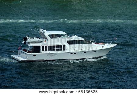 Luxury Yacht On The Florida Wayerways