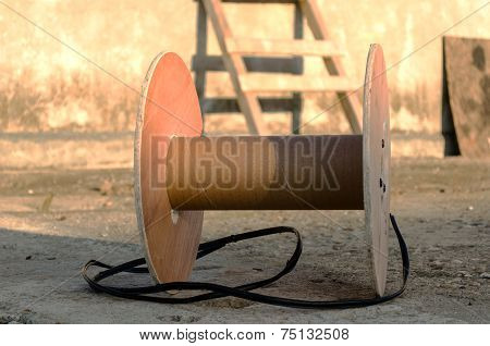 Reel Without Wire.
