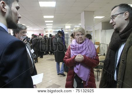 Policies Evgeniya Chirikova Communicates With Observers At The Polling Station