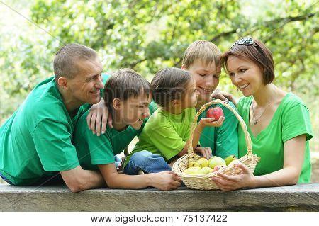 five is having picnic