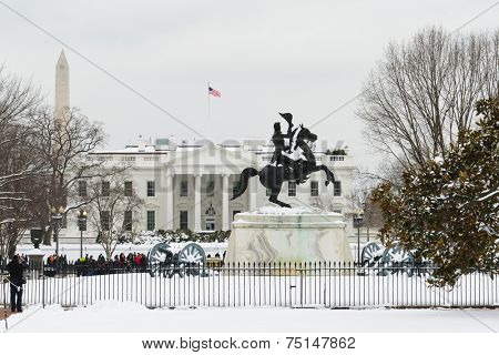 The White House in snow - Washington DC, United States