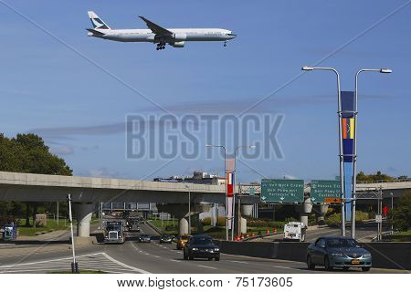 Cathay Pacific Boeing 777 in New York on approach to JFK International Airport