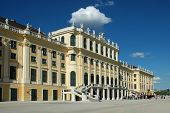 picture of sissi  - View of the castle Schonbrunn from the castle garden - JPG