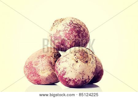 Composition of three raw beetroots.