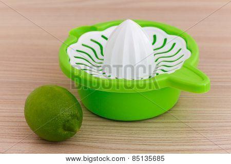 Lemon juicer. lemon squezzer.
