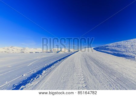 Ski run, 4 Valley Swiss Alps