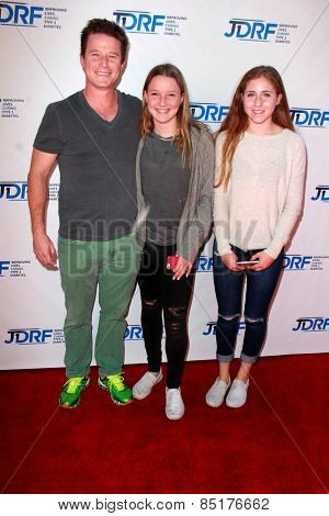 LOS ANGELES - MAR 8:  Billy Bush, daughters at the Disney's