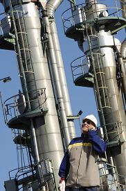 picture of refinery  - refinery details - JPG