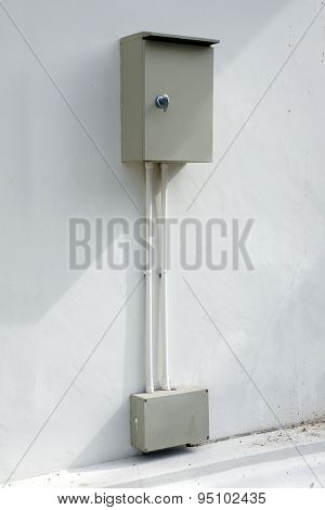 Safety outdoor electric connector box mounted on the wall