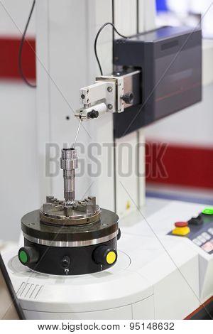 Roundness Tester Machine