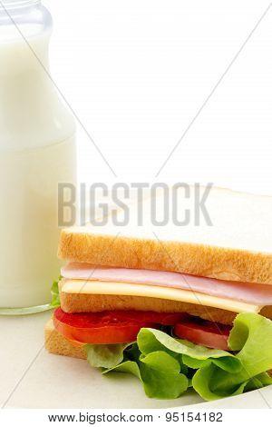 Sandwich and fresh milk