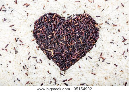 Brown rice heart background