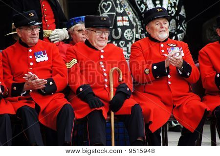 Chelsea Pensioners At The Pearly Kings And Queens Harvest Festival In The City Of London 26Th Septem