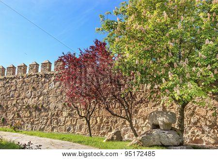 Ancient Bull Statue Castle Walls Swallows Avila Castile Spain