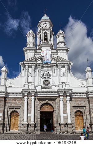 Church And Square Sangolquí