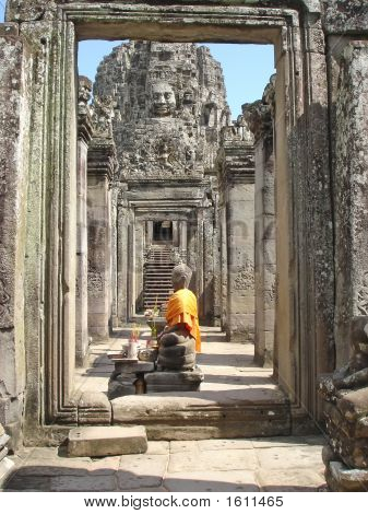 Yellow Buddha, The Bayon, Angkor Tom, Cambodgia