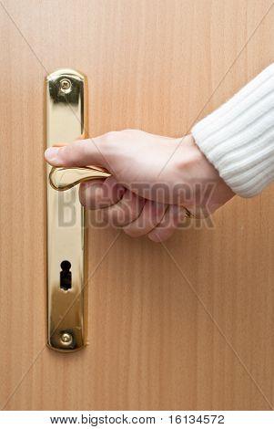 Apertura de la puerta