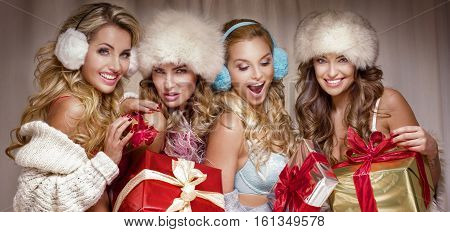 Sexy Girls With Gifts.