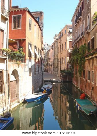 Gondola And Small Boats On A Small Water Canal, Venice, Italia