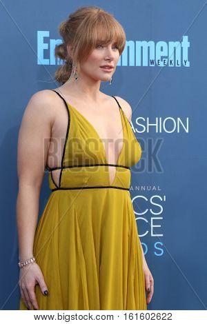 LOS ANGELES - DEC 11:  Bryce Dallas Howard at the 22nd Annual Critics' Choice Awards at Barker Hanger on December 11, 2016 in Santa Monica, CA