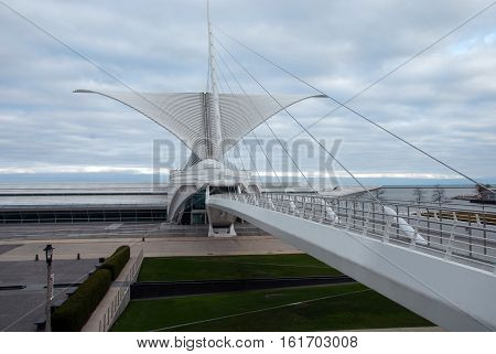 Milwaukee, WI, USA - October 29, 2016. Milwaukee Art museum and the Reiman Pedestrian Bridge which connects Museum with O'Donnell Park