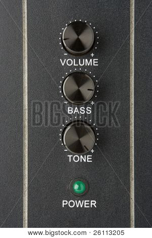 faders volume bass tone and power lamp