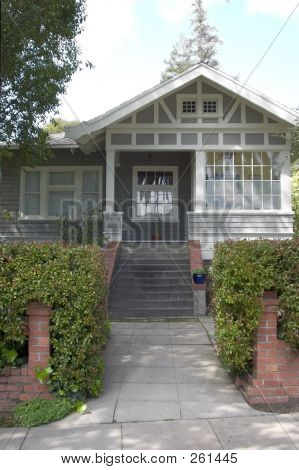 Cute Craftsman Home 2