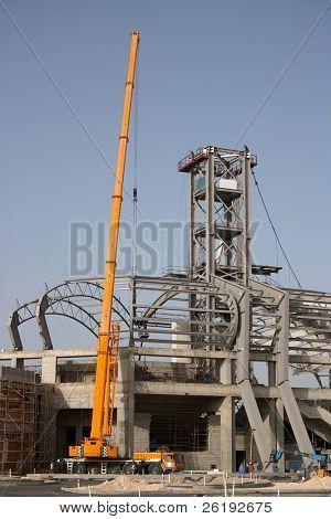 Obras en marcha en un estadio deportivo en Qatar, Arabia, Primavera 2004